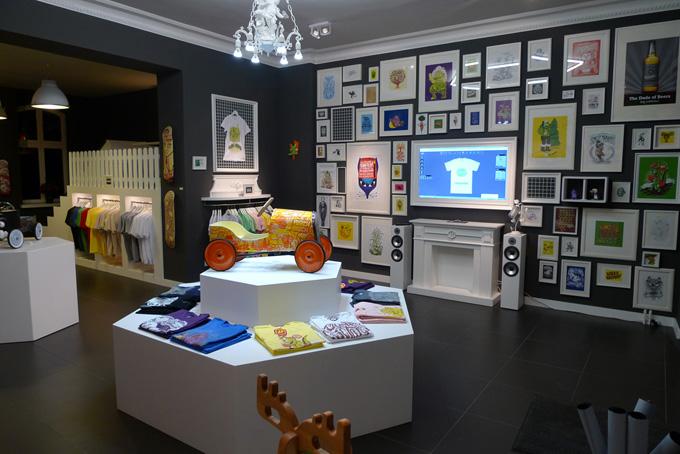 feature walls international visual. Black Bedroom Furniture Sets. Home Design Ideas