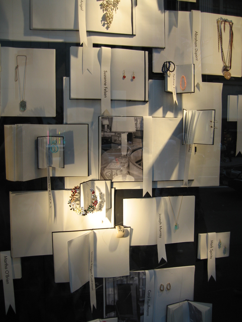 Book Displays International Visual