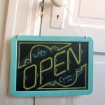 Open_Closed_sign_lowres_01
